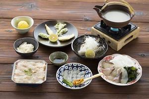 淡路島の春を感じる『天然桜鯛の濃厚旨み出汁スープ鍋』!!!